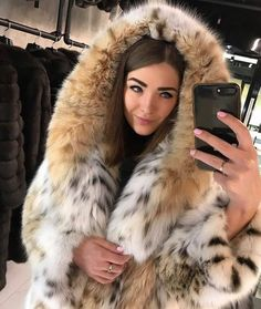 Lynx, Couture Coats, Fur Fashion, Womens Fashion, Sexy Women, Women Wear, Fabulous Furs, Foto Instagram, Cute Woman