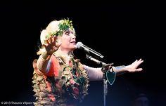 Blondie - Debbie Harry on Blondie Concert, Blondie Debbie Harry, Kew Gardens, Blondies, Black And White, People, Stage, Black N White, Black White