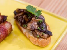 Haylie Duff // The Real Girl's Kitchen // Get this all-star, easy-to-follow Mushroom and Herb Crostini recipe from The Kitchen