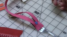 Fork Trick to Put Zipper Heads On. Fork Trick to Put Zippеr Hеads On. Permanent insulation swaps unattached blankets inside the cheat that could hide your desired baby's handle and conflict with respiratory. Join Kris Morettie of TERRA and learn how to Fix A Zipper, Zipper Repair, Zipper Pulls, Zipper Bags, Sewing Hacks, Sewing Tutorials, Sewing Patterns, Sewing Tips, Free Sewing