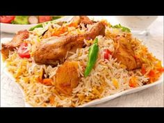 How to make Chicken Biryani. Easy and simple Chicken Biryani Recipe. Some consider biryani to be an overwhelming dish. Iftar, Kabsa Recipe Chicken, Chicken Recipes, Biryani Chicken, Chettinad Chicken, Frango Tandoori, Tandori Chicken, Dum Biryani, Indian Food Recipes