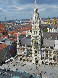 Neues Rathaus aus gesehen St Peter-kirchne, Nuevo Ayuntamiento desde la Iglesia de San Pedro, New Town Hall from San Peter Church en Munich, Alemania
