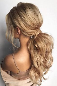 pony tail hairstyles simply modern swept on long blonde hair hair_vera pony tail hairstyle Medium Hair Styles, Curly Hair Styles, Long Hair Ponytail Styles, Formal Ponytail, Long Ponytails, Hair Styles Party, Ponytail For Prom, Hair Style For Party, Hair Styles For Prom