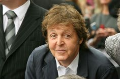 Sir Paul McCartney is taking his message of Meatless Mondays to school.    The world's most famous vegetarian rock star is advocating that schools in Britain offer vegetarian lunch options to students.