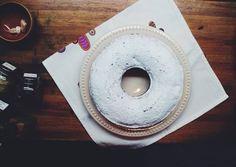 """Merienda. Avena, sésamo, chia, lino. #vsco #vscocam #vscophoto #oat #sesamo #chia #lino #seeds #cake #pound #afternoon #coffeetime #instagood"""
