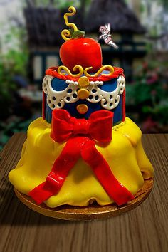 SnowWhite cake
