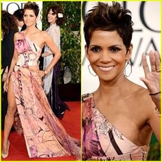 #HalleBerry - perfect and playful. #goldenglobes #hair