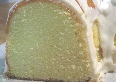 Elvis Presleys Favorite Whipping Cream Pound Cake Recipe - Genius Kitchen