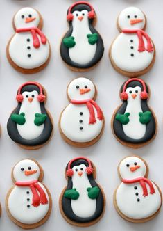 Christmas Sugar Cookies, Christmas Sweets, Christmas Cooking, Noel Christmas, Christmas Goodies, Holiday Cookies, Holiday Treats, Snowman Cookies, Christmas Cookies Cutouts