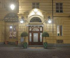 Locali storici a Torino. Ristorante del Cambio in piazza Carignano