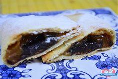 Hum...saindo quentinho! Pastel de Forno com Doce de Leite e Cappuccino, você não vai resistir a essa mistura deliciosa!  http://xamegobom.com.br/receita/pastel-de-forno-com-doce-de-leite-e-cappuccino/