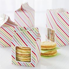 Striped and Scalloped Treat Boxes   18 Ways to Package Your Cupcakes