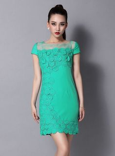 New short-sleeved lace dress