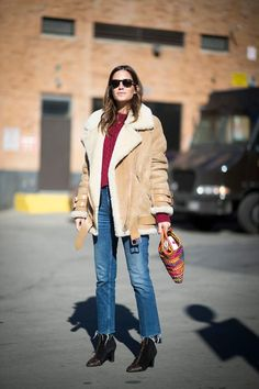 31 Winter Outfit Ideas - Your Daily #OOTD Inspiration for This Winter: Shearling Jacket and Jeans