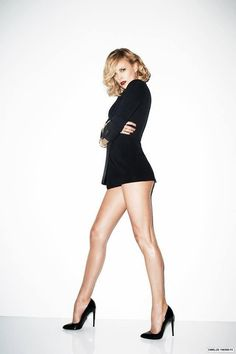 Charlize Theron, Great Legs, Beautiful Legs, Hollywood Actresses, Actors & Actresses, Atomic Blonde, Sexy Legs And Heels, Women Legs, African Beauty