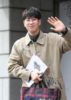 Po Block B, Pyo Jihoon, Korean Male Actors, B Bomb, New View, Kpop, People, Fashion, Novels