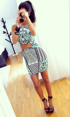 Love this two piece outfit! Women's fashion clothing outfit for dates going out