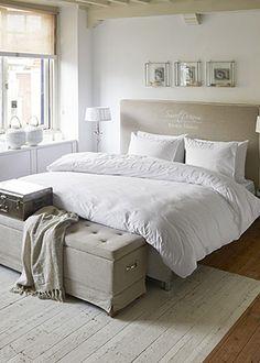 be: Dekbedovertrek Rivièra Maison Sweet Wishes White Katoen Home Bedroom, Master Bedroom, Bedroom Decor, Rivera Maison, New England Style Homes, Box Bed, House Beds, Room Inspiration, Sweet Home