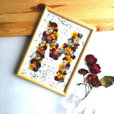 """Live in the Moment 🌹🥀"" Flower Letters, Flower Names, Framed Letters, Framed Wall Art, Tree Wall Art, Wall Art Decor, Real Flowers, Dried Flowers, Pressed Flower Art"