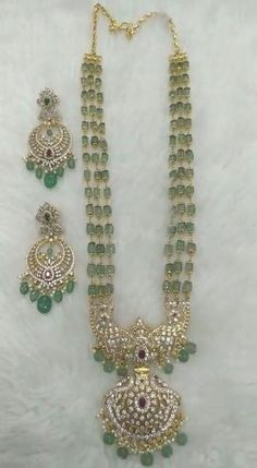 Pearl Necklace Designs, Jewelry Design Earrings, Gold Earrings Designs, Beads Jewellery Designs, Earings Gold, Antic Jewellery, Gold Designs, Antique Necklace, Gold Jewellery Design