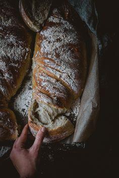 Perunaleipä (V) – Viimeistä murua myöten Nordic Recipe, Savory Pastry, Potato Bread, Dessert Recipes, Desserts, Baked Goods, Bakery, Pork, Potatoes