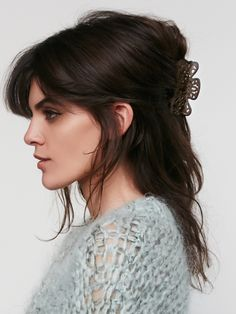 Claw Clip Hairstyles for Any Hair Length Clip Hairstyles, Modern Hairstyles, Boho Hairstyles, Pretty Hairstyles, Twist Ponytail, Claw Clip, Hair Claw, Braids For Long Hair, Green Hair