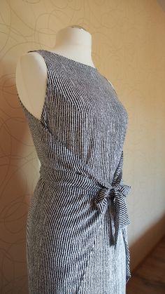 Kielo Wrap Dress -- this dress - https://tegemine.wordpress.com/2014/05/20/named-kielo-wrap-dress/ - with pattern in English!