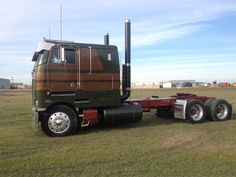 1987 Peterbilt 359 Semi Truck Semi Tractor Trucks on