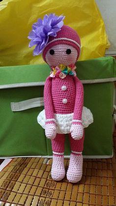 Flower Lady made by Thanh H - based on Sunflower Sam crochet pattern by Zabbez