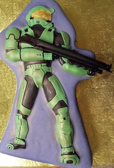 Master Chief (Halo) cake by Cake Whimsy www.cake-whimsy.com