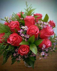 Ikebana Flower Arrangement, Floral Arrangements, Beautiful Rose Flowers, Beautiful Flowers, Montreal Botanical Garden, Altar Flowers, Morning Flowers, Rose Wallpaper, Flower Decorations
