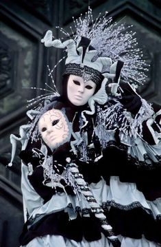 Gothic Fashion Men, Venice Carnivale, Royal Court, Hidden Face, Carnivals, Carnival Costumes, Masquerade, Mysterious, Faces