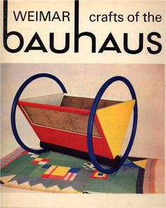 ¤ Weimar crafts - Eessential World Architecture Images- a great site to know more about Bauhaus and other styles Bauhaus Art, Bauhaus Style, Bauhaus Design, Bauhaus Textiles, Toulouse, Josef Albers, Retro Futuristic, Futuristic Design, Rationalism