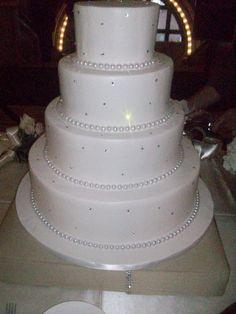 Calumet Bakery Simple wedding cake with rhinestones and large pearl border.