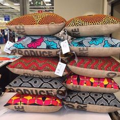 Using Art and Crafts in African Decor African Interior Design, African Design, Burlap Pillows, Decorative Pillows, Throw Pillows, African Textiles, African Fabric, African Accessories, African Home Decor