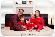 I think this is such a cute idea for a Christmas photo!  Bo doesn't agree with me though - darn!
