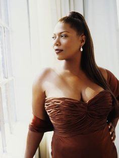 "Camryn Manheim said, ""Years ago women of my size were considered royalty."" And now we have Queen Latifah. Queen Latifah kicks butt in so ma. Queen Latifah, Black Is Beautiful, Beautiful People, Gorgeous Lady, Beautiful Women, Fashion Bubbles, Glamour, Moda Plus Size, Foto Art"