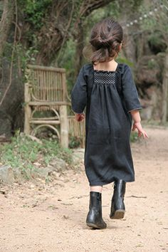 Little Boho - Children's Fashion Little Girl Fashion, My Little Girl, Kids Fashion, Lenoir, Kids Outfits, Cute Outfits, Smocks, Inspiration Mode, Fashion Inspiration