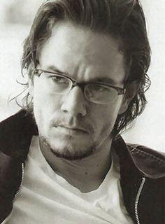 Mark Wahlberg lookin damn good in glasses