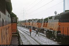 High quality photograph of Chicago, Milwaukee, St. Paul & Pacific Derailment # at Portage, Wisconsin, USA. Train Museum, Milwaukee Road, Railroad Pictures, Railroad Photography, Train Pictures, Train Engines, Dodge Challenger, Model Trains