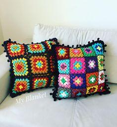 İki güzel yan yana Sipariş ve bilgi içinDm(mesaj) #babyblanket#myblanket#crochet#crochetdesign#bebek#battaniye#örgü#tıgisi#crochetblanket#motif#grannysquare#bebekbattaniyesi#baby#babygirl#battaniyedesign#babyshower#hediye#örgü#elisi#handmade#crochetpattern#crochetmotif#deryabaykal #deryabaykallagulumse#örgübattaniye #örgümodelleri#10marifet#koltukşalı#crochetersofinstagram#cushion#pillow