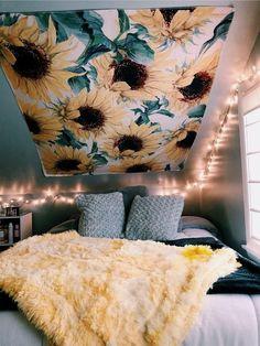 Blumenmädchen-Tapisserie - Home Decor Home Design, Interior Design, Design Ideas, Bed Design, Art Designs, Living Room Decor, Bedroom Decor, Ikea Bedroom, Bedroom Lighting