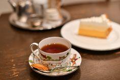 忙しい日々のリフレッシュに、癒しの時を提供してくれるティールームを訪れてみては?本場インドのチャイに、憧れのカップでいただく世界中から仕入れた有機栽培紅茶…紅茶好き必訪の2軒をご紹介します。