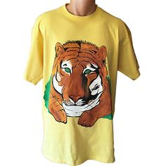 Handmade T-shirt Tiger This T-shirt is suitable for all men and women, the material is cotton and it's painted manual with quality and non toxic paint, which is also permanent. You can wash it in the washing machine or manually at 30 Celsius degrees. Non Toxic Paint, Washing Machine, Manual, Cotton, Mens Tops, T Shirt, Handmade, Design, Women