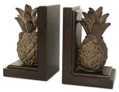 Google Image Result for http://www.beachdecorshop.com/blog/wp-content/uploads/2010/02/Pineapple-Bookends.jpg