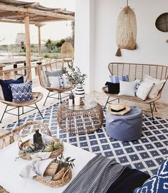 Apr 2020 - Page dedicated to home and interior design enthusiasts. See more ideas about Home decor, Interior design and Home. Living Room Decor, Living Spaces, Bedroom Decor, Home Living, Magazine Deco, Casas Containers, Style Deco, Ibiza Fashion, Other Rooms