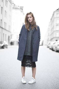 Emma Elwin -- coat, long sweater, lace skirt & Adidas sneakers #style #fashion