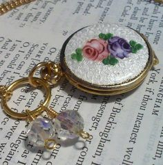 """Locket """"Floral"""" Round Vintage Necklace by DreamAddict on Etsy"""