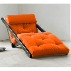 Futons and novelty bean bags have been a staple of young people's living spaces for the longest time. Futons in particular, take up minimal space, provide Welded Furniture, Diy Furniture Couch, Diy Furniture Plans, Space Saving Furniture, Furniture Design, Upcycled Furniture, Chaise Lounges, Futons, Sofa Design