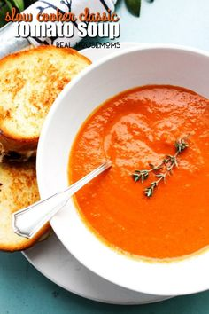 notebook slow cooker recipes Cooker Classic Tomato Soup a creamy, rich and vibrant soup. A traditional classic made easy in the slow cooker! Best Slow Cooker, Slow Cooker Recipes, Crockpot Recipes, Soup Recipes, Vegetarian Recipes, Ww Recipes, Crockpot Dishes, Dishes Recipes, Shrimp Recipes